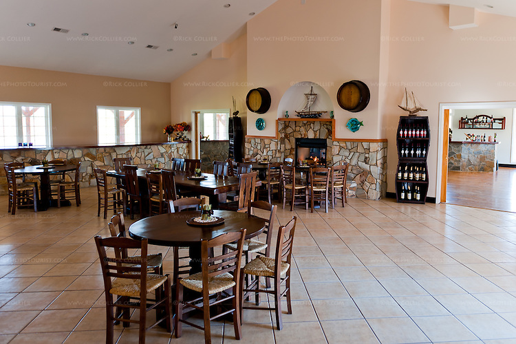 In addition to the spacious tasting room, Molon Lave Vineyards has a large and attractive dining room that connects to the tasting room, the outdoor patio, and nearby kitchen facilities.