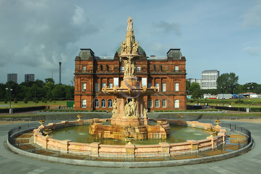 The Doulton Fountain and the Peoples Palace, Glasgow Green, Glasgow<br /> <br /> Copyright www.scottishhorizons.co.uk/Keith Fergus 2011 All Rights Reserved