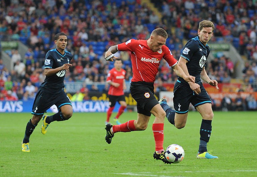 Cardiff City's Craig Bellamy bursts into the box <br /> <br /> Photo by Ian Cook/CameraSport<br /> <br /> Football - Barclays Premiership - Cardiff City v Tottenham Hotspur - Sunday 22nd September 2013 - Cardiff City Stadium - Cardiff<br /> <br /> &copy; CameraSport - 43 Linden Ave. Countesthorpe. Leicester. England. LE8 5PG - Tel: +44 (0) 116 277 4147 - admin@camerasport.com - www.camerasport.com
