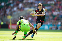 Duncan Taylor of Saracens goes on the attack. Aviva Premiership match, between Saracens and Northampton Saints on September 2, 2017 at Twickenham Stadium in London, England. Photo by: Patrick Khachfe / JMP