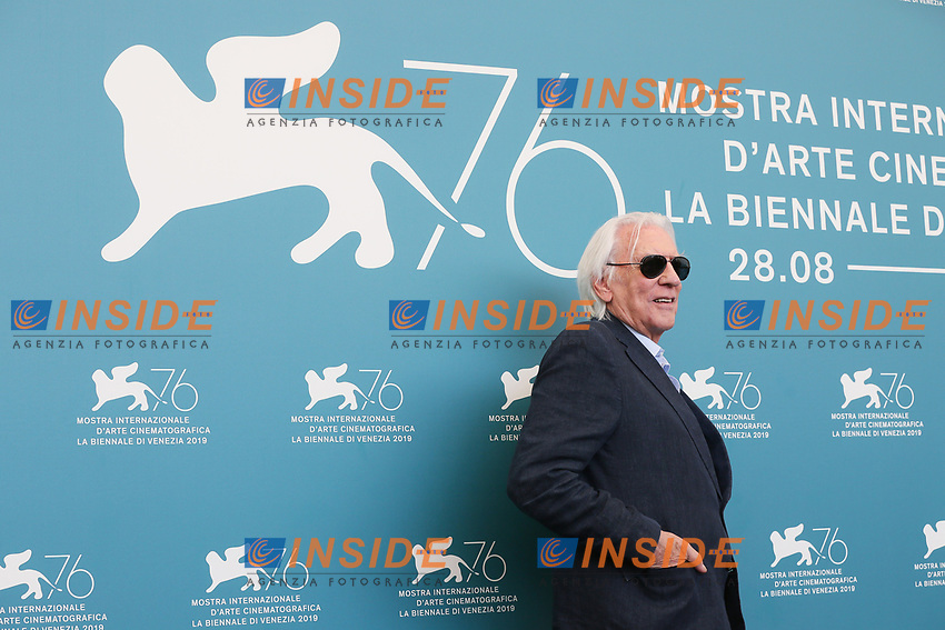 """VENICE, ITALY - SEPTEMBER 07: Donald Sutherland attends """"The Burnt Orange Heresy"""" photocall during the 76th Venice Film Festival at Sala Grande on September 07, 2019 in Venice, Italy. (Photo by Mark Cape/Insidefoto)<br /> Venezia 07/09/2019"""