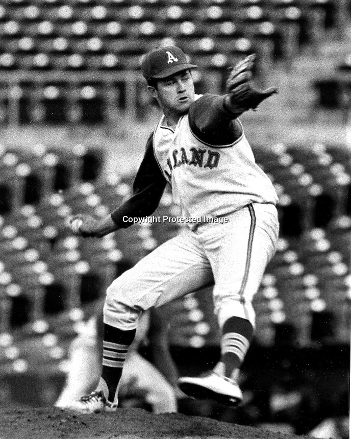 Oakland Athletics pitcher Jim &quot;Catfish&quot; Hunter hurls a perfect game against the Minnesota Twins May 1968.<br />