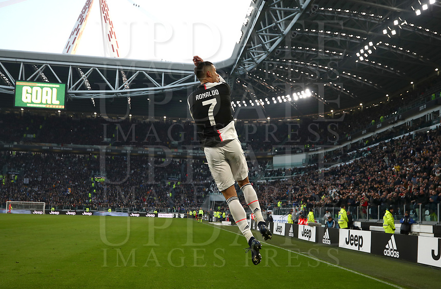 Calcio, Serie A: Juventus - Cagliari, Turin, Allianz Stadium, January 6, 2020.<br /> Juventus' Cristiano Ronaldo celebrates after scoring his second goal in the match during the Italian Serie A football match between Juventus and Cagliari at Torino's Allianz stadium, on January 6, 2020.<br /> UPDATE IMAGES PRESS/Isabella Bonotto