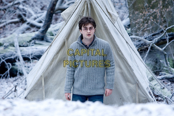 DANIEL RADCLIFFE.in Harry Potter and the Deathly Hallows: Part 1 .*Filmstill - Editorial Use Only*.CAP/FB.Supplied by Capital Pictures.