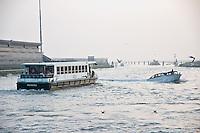 La lagune a proximite de l'aeroport Marco Polo (Venise, Octobre 2006)