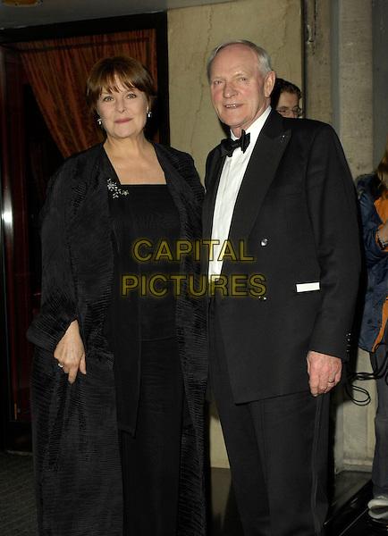 ISLA BLAIR & JULIAN GLOVER.Arrivals - Laurence Olivier Awards at the Grosvenor Hotel, Park Lane, London, UK..February 18th, 2007.full length black tuxedo coat.CAP/CAN.©Can Nguyen/Capital Pictures