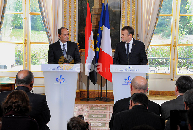 French President Emmanuel Macron and Egyptian President Abdel Fattah al-Sisi during press conferenceat Elysee Palace on October 24, 2017. Photo by Egyptian President Office