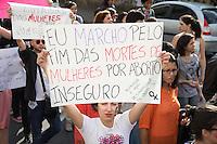 SAO PAULO, SP, 25 DE MAIO DE 2013 - MARCHA DAS VADIAS 2013 - Neste sábado, 25 de Maio, aconteceu a 3 edição da Marcha das Vadias em São Paulo, contra o machismo. A manifestação teve início as 12hs na Praça do Ciclista, na avenida Paulista, reunindo centenas de pessoas com poucas roupas, os corpos pintados e cartazes. FOTO: MARCELO BRAMMER / BRAZIL PHOTO PRESS