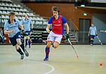 Almere - Zaalhockey  Laren-SCHC (heren)   .  Tim Bakker (Laren)  .TopsportCentrum Almere.    COPYRIGHT KOEN SUYK