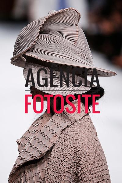 Paris, Fran&ccedil;a &sbquo;09/2014 - Desfile de Issey Miyake durante a Semana de moda de Paris  -  Verao 2015. <br /> <br /> Foto: FOTOSITE