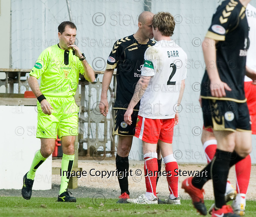 10/04/2010   Copyright  Pic : James Stewart.sct_jsp17_falkirk_v_st_mirren  .::  BILLY MEHMET AND DARREN BARR SQUARE UP ::  .James Stewart Photography 19 Carronlea Drive, Falkirk. FK2 8DN      Vat Reg No. 607 6932 25.Telephone      : +44 (0)1324 570291 .Mobile              : +44 (0)7721 416997.E-mail  :  jim@jspa.co.uk.If you require further information then contact Jim Stewart on any of the numbers above.........