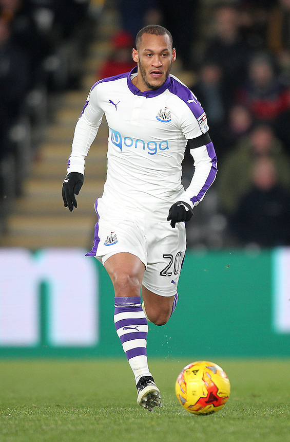 Newcastle United's Yoan Gouffran<br /> <br /> Photographer /Mick Walker CameraSport<br /> <br /> The EFL Cup Quarter Final - Hull City v Newcastle United - Tuesday 29th November 2016 - The KCOM Stadium - Hull<br />  <br /> World Copyright &copy; 2016 CameraSport. All rights reserved. 43 Linden Ave. Countesthorpe. Leicester. England. LE8 5PG - Tel: +44 (0) 116 277 4147 - admin@camerasport.com - www.camerasport.com