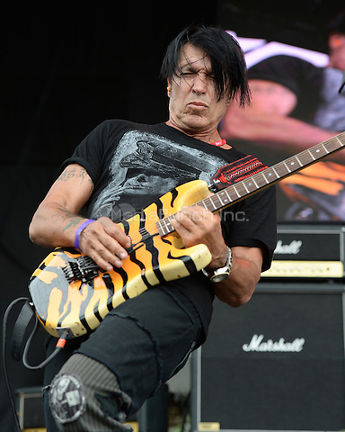 WESTON, FL - APRIL 03: George Lynch of Lynch Mob performs at Rockfest 80s held at Markham Park on April 3, 2016 in Weston, Florida. Credit: mpi04/MediaPunch
