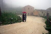 Portella della Ginestra, 17 Dicembre 2005. l'Agriturismo della cooperativa Placido Rizzotto a Portella della Ginestra
