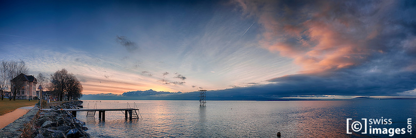 View of Lake Léman at dawn in front of St-Prex
