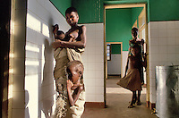 - country hospital in Inhaminga village, province of Sofala....- ospedale rurale nel villaggio di Inhaminga, provincia di Sofala