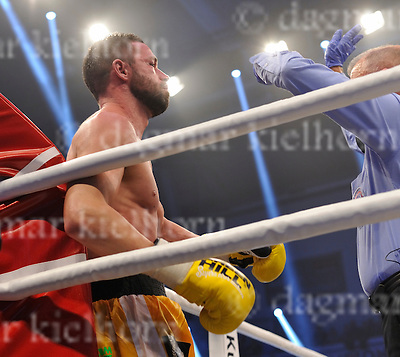 November 05-16,MBS Arena, Potsdam, Brandenburg, Germany<br /> WBA World super middleweight title<br /> Super Middleweight Champ from Italy,Giovanni De Carolis vs Tyron Zeuge,Berlin,Germany<br /> Zeuge wins by IKO, referee Rafael Ramos waved it off