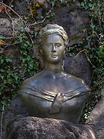 Denkmal von Sissi in den G&auml;rten-Merano, Provinz Bozen-S&uuml;dtirol, Italien<br /> Monument of Sissi in gardens of Castle Trauttmansdorff, Meran-Merano, province Bozen-South Tyrol, Italy