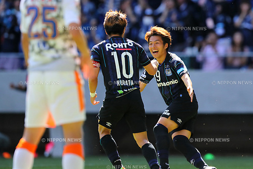 (L-R) <br /> Shu Kurata, <br /> Jin Izumisawa (Gamba), <br /> MAY 5, 2017 - Football / Soccer : <br /> 2017 J1 League match between <br /> Gamba Osaka 1-1 Shimizu S-Pulse <br /> at Suita City Football Stadium, Osaka, Japan. <br /> (Photo by AFLO SPORT)