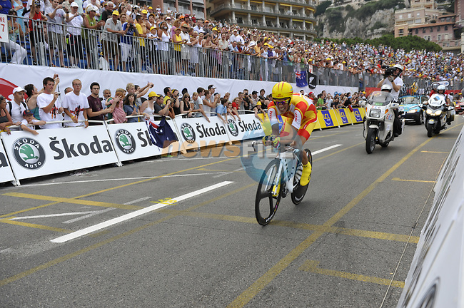 Spanish National Champion Astana team rider Alberto Contador (ESP) passes beneath the packed grandstands on his way to the finish line the Prologue Stage 1 of the 2009 Tour de France a 15.5km individual time trial held around Monaco. 4th July 2009 (Photo by Eoin Clarke/NEWSFILE)