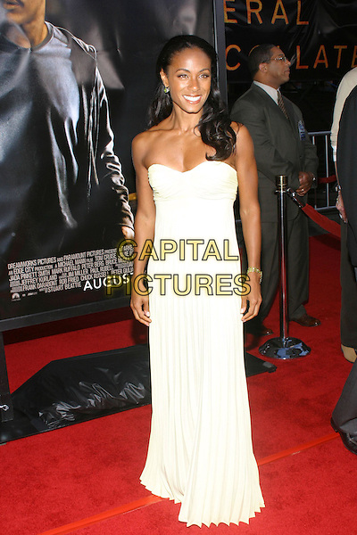 JADA PINKETT SMITH .At the Collateral Premiere, held at the Orpheum Theatre, Los Angeles, CA, USA,.2nd August 2001.full length strapless yellow pleated dress.**UK SALES ONLY**.Ref:JW-ADM.www.capitalpictures.com.sales@capitalpictures.com.©Capital Pictures.