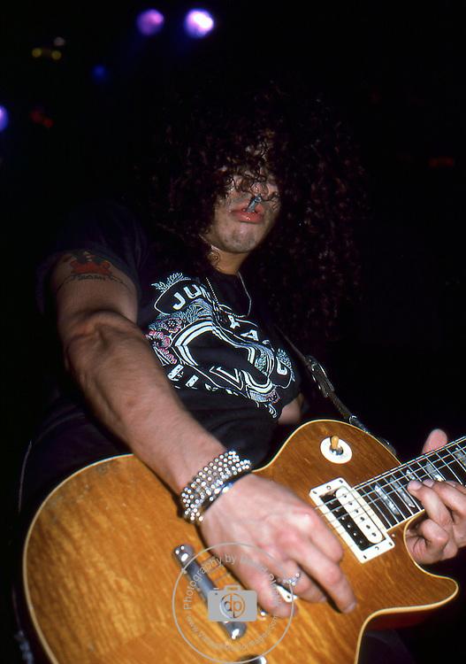 Guns-N-Roses-372.jpg