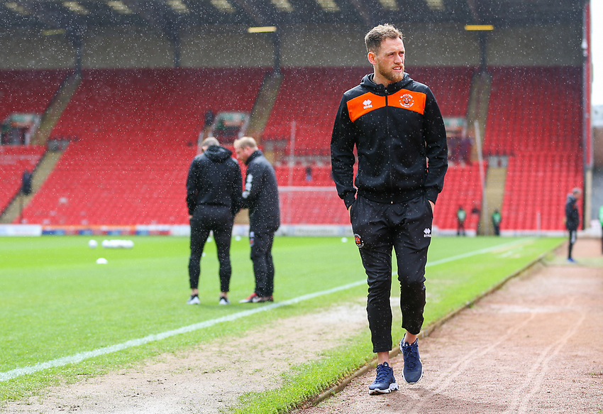 Blackpool's Harry Pritchard arrives at Oakwell<br /> <br /> Photographer Alex Dodd/CameraSport<br /> <br /> The EFL Sky Bet League One - Barnsley v Blackpool - Saturday 27th April 2019 - Oakwell - Barnsley<br /> <br /> World Copyright © 2019 CameraSport. All rights reserved. 43 Linden Ave. Countesthorpe. Leicester. England. LE8 5PG - Tel: +44 (0) 116 277 4147 - admin@camerasport.com - www.camerasport.com