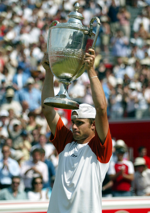 Photograph: Scott Heavey..Final of the Stella Artois Championship at the Queens Club. 15/06/2003..Andy Roddick