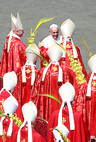 Papa Francesco saluta i cardinali al ternine della messa per la Domenica delle Palme in piazza San Pietro, Citta' del Vaticano, 13 aprile 2014.<br /> Pope Francis greets cardinals at the end of the Palm Sunday mass in St. Peter's square at the Vatican, 13 April 2014.<br /> UPDATE IMAGES PRESS/Isabella Bonotto<br /> <br /> STRICTLY ONLY FOR EDITORIAL USE