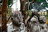 BURKINA FASO , Gaoua, Kampti, Lobi culture, Lobi is an ethnic group and they are animist and worship ancestor spirit, village KWEKWERA ( KOUEKOUERA ), court of fetish maker DA LEPIRTHE, fetish figure made from clay / Lobi Ethnie, Lobi sind Animisten und praktizieren Ahnenkulte, Dorf KWEKWERA ( KOUEKOUERA ), am Hof des Fetischmeister DA LEPIRTHE, Fetisch Figur aus Lehm