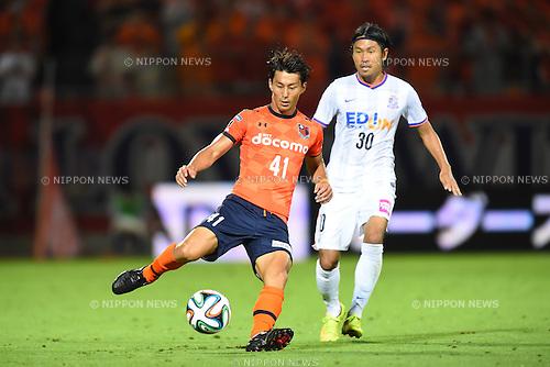 (L to R) <br /> Akihiro Ienaga (Ardija), <br /> Kosei Shibasaki (Sanfrecce), <br /> JULY 19, 2014 - Football /Soccer : <br /> 2014 J.LEAGUE Division 1 <br /> between Omiya Ardija 3-3 Sanfrecce Hiroshima <br /> at NACK5 Stadium Omiya, Saitama, Japan. <br /> (Photo by YUTAKA/AFLO SPORT) [1040]
