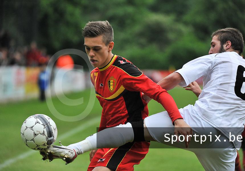 Georgia U19 - Belgium U19 : Leandro Trossard (17) and Daviti Ubilava (right)<br /> foto DAVID CATRY / Nikonpro.be