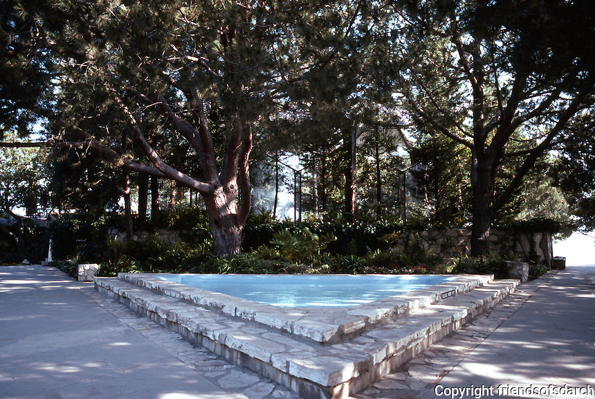 Lloyd Wright: Wayfarer's Chapel. Patio, triangular pool. 1946-1971.  Photo '82.