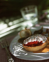 """Europe/France/Provence-Alpes-Côte d'Azur/83/Var/Ile de Port-Cros: Tarte fine aux tomates confites et à la brousse gratinée - Recette de Sylvain Chaduteau de l'hôtel-restaurant """"Le Manoir"""""""