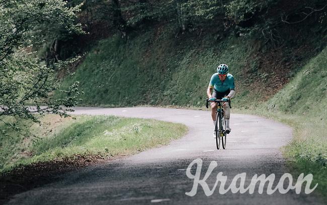 Alexey Lutsenko (KAZ/Astana) up the Mur de P&eacute;gu&egrave;re (Cat1/1375m/9.3km/7.9%)<br /> <br /> 104th Tour de France 2017<br /> Stage 13 - Saint-Girons &rsaquo; Foix (100km)