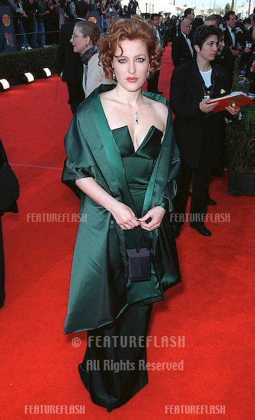07MAR99: Actress GILLIAN ANDERSON at the Screen Actors Guild Awards..© Paul Smith / Featureflash