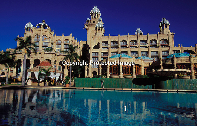 dihosun00009 Hotel The view from the pool of the Palace Hotel on May 9, 2003 in Sun City, South Africa..©Per-Anders Pettersson/iAfrika Photos.