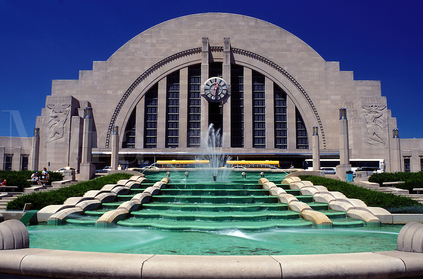museum, Cincinnati, OH, Ohio, Fountain outside the Cincinnati Museum Center at Union Terminal