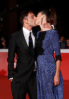"Il regista Claudio Noce bacia Lana Vladi sul red carpet per la presentazione del film ""La foresta di ghiaccio"" al Festival Internazionale del Film di Roma, 23 ottobre 2014.<br /> Italian director Claudio Noce kisses Lana Vladi on the red carpet to present the movie ""La foresta di ghiaccio"" during the international Rome Film Festival at Rome's Auditorium, 23 October.<br /> UPDATE IMAGES PRESS/Isabella Bonotto"