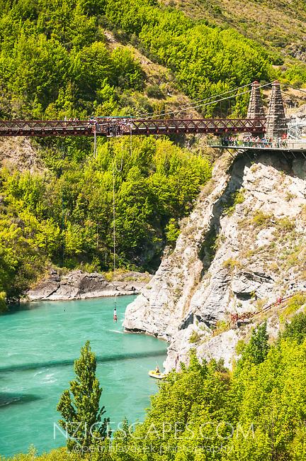 Bungee jumping on Kawarau River bridge near Queenstown, Central Otago, South Island, New Zealand, NZ