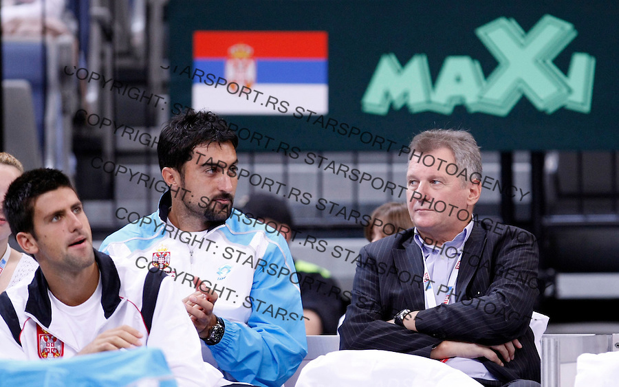 Tenis.Davis Cup, play off, season 2009..Serbia Vs. Uzbekistan.Janko Tipsarevic Vs. Denis Istomin.first match, Dr. Zdeslav Milinkovic, right, Nenad Zimonjic, center and Novak Djokovic.Belgrade, 17.09.2009..Starsportphoto/Srdjan Stevanovic©
