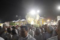 Milhares de peregrinos participam da traslada&ccedil;&atilde;o uma outra grande prociss&atilde;o noturna que acontece as v&eacute;speras da maior prociss&atilde;o cat&oacute;lica do Brasil, o C&iacute;rio de Nossa Senhora da Nazar&eacute;, que este ano completa 225 anos. <br /> Durante o percurso com cerca de 4 km, os pagadores de promessas carregam r&eacute;plicas de barcos, casas, partes do corpo humano feitas em cera, entre v&aacute;rios outros objetos, para agradecer ou pedir milagres a nossa Senhora de Nazar&eacute;.