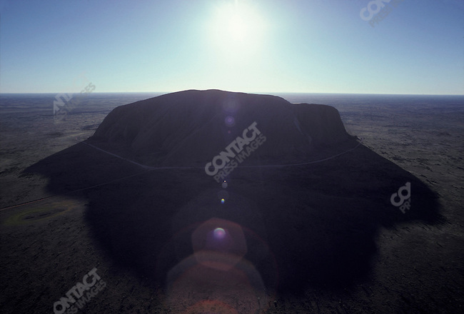 Ayers Rock, Australia, March 1981...1981 © David BURNETT (CONTACT PRESS IMAGES)