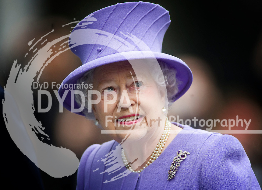 The Queen, accompanied by the Duke of Edinburgh, to visit the new Royal London Hospital building and the new National Centre for Bowel Research and Surgical Innovation, UK, February 27, 2013. Photo by: i-Images / DyD Fotografos