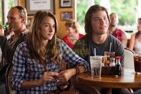 Shailene Woodley & Nick Krause .in The Descendants.*Filmstill - Editorial Use Only*.CAP/NFS.Supplied by Capital Pictures.