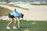 Luna Sobron (ESP) during the first round of the Fatima Bint Mubarak Ladies Open played at Saadiyat Beach Golf Club, Abu Dhabi, UAE. 10/01/2019<br /> Picture: Golffile | Phil Inglis<br /> <br /> All photo usage must carry mandatory copyright credit (© Golffile | Phil Inglis)