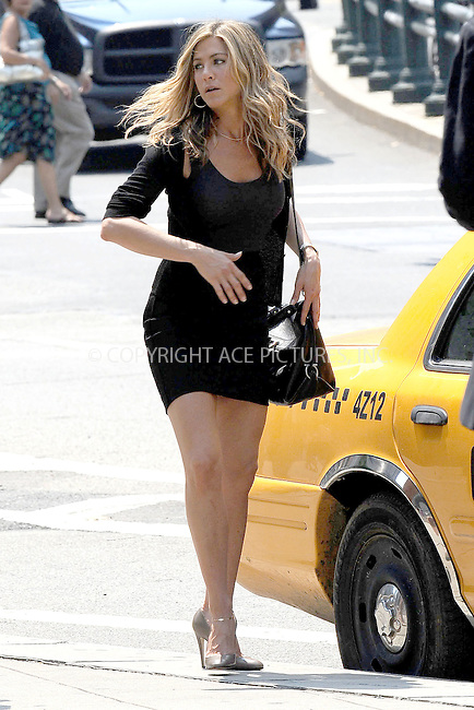 WWW.ACEPIXS.COM . . . . .  ....August 4 2009, New York city....Actress Jennifer Aniston was on the Manhattan set of the new movie 'Bounty' on August 4 2009 in New York City....Please byline: KRISTIN CALLAHAN - ACEPIXS.COM.... *** ***..Ace Pictures, Inc:  ..tel: (212) 243 8787..e-mail: info@acepixs.com..web: http://www.acepixs.com