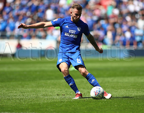 6th May 2018, Cardiff City Stadium, Cardiff, Wales; EFL Championship Football, Cardiff City versus Reading; Joe Ralls of Cardiff City gets a shot towards goal late in the 1st half