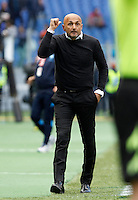 Calcio, Serie A: Roma vs Napoli. Roma, stadio Olimpico, 25 aprile 2016.<br /> Roma&rsquo;s coach Luciano Spalletti gestures during the Italian Serie A football match between Roma and Napoli at Rome's Olympic stadium, 25 April 2016. <br /> UPDATE IMAGES PRESS/Isabella Bonotto