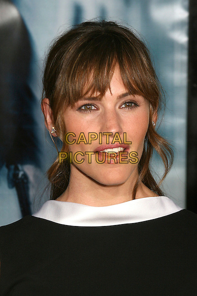 "JENNIFER GARNER.""The Bourne Ultimatum"" Los Angeles Premiere at the Arclight Theatre, Hollywood, California, USA..July 25th, 2007.headshot portrait .CAP/ADM/BP.©Byron Purvis/AdMedia/Capital Pictures"